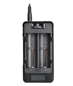 XTAR VP2 Li-ion Akkuparistolaturi 120° HD VA näytöllä & USB liitännällä