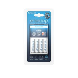Panasonic BQ-CC51 Paristolaturi + 4 kpl R6 / AA Eneloop 1900 mAh